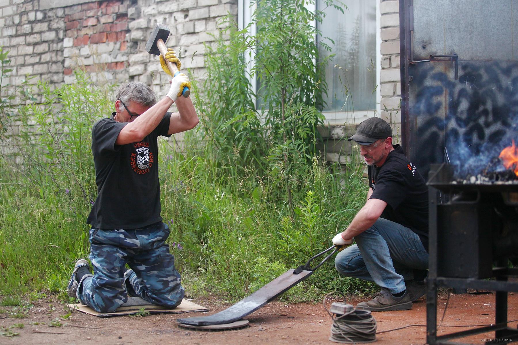 Фото: пресс-служба Псковского областного Собрания